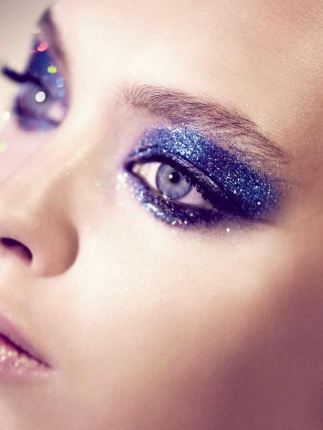 blu-glitter-makeup