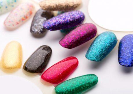 zimowy-manicure-ktore-kolory-paznokci-sa-najmodniejsze