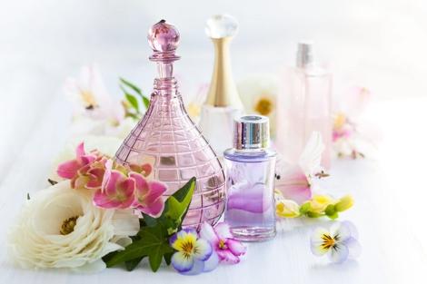 24-wp-tagomago-perfumy-na-prezent-–-jak-je-wybrac-1